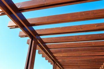 permesso per una tettoia in legno a roma