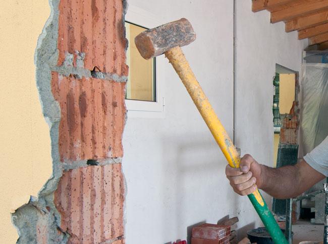 come aprire una porta sul muro del vicino